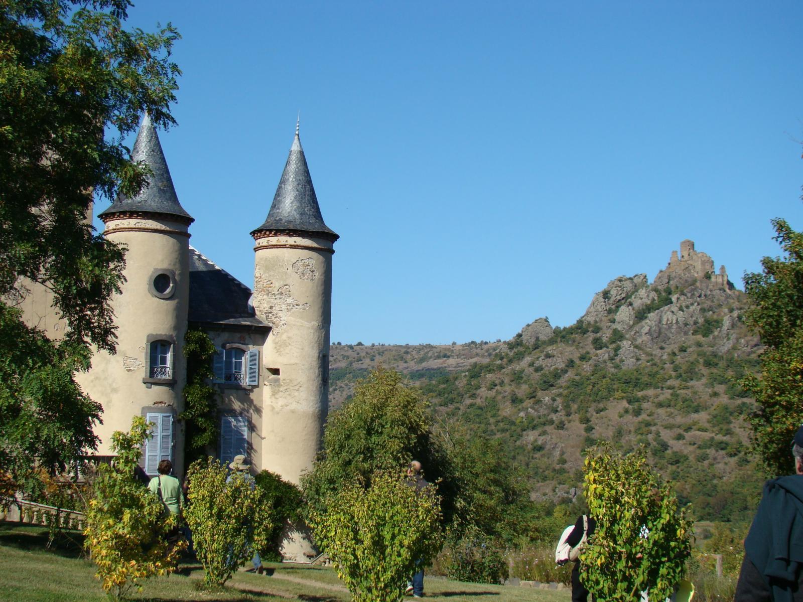 La sentinelle : Forteresse de Léotoing vue du Chateau de Tor