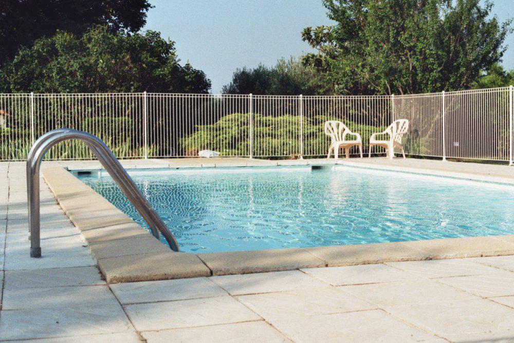 Photo la piscine 2 13399 diaporamas images photos for Accouchement en piscine en france