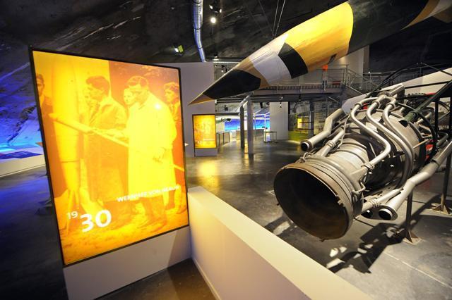 Fusée et moteur V2