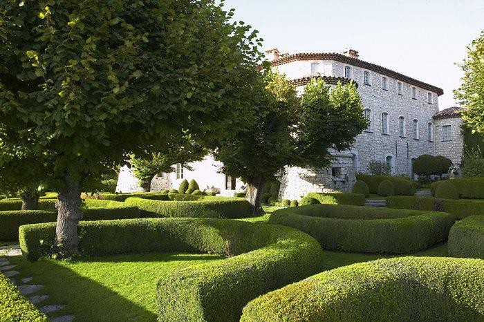 Château de Gourdon, Terrasse d'Honneur