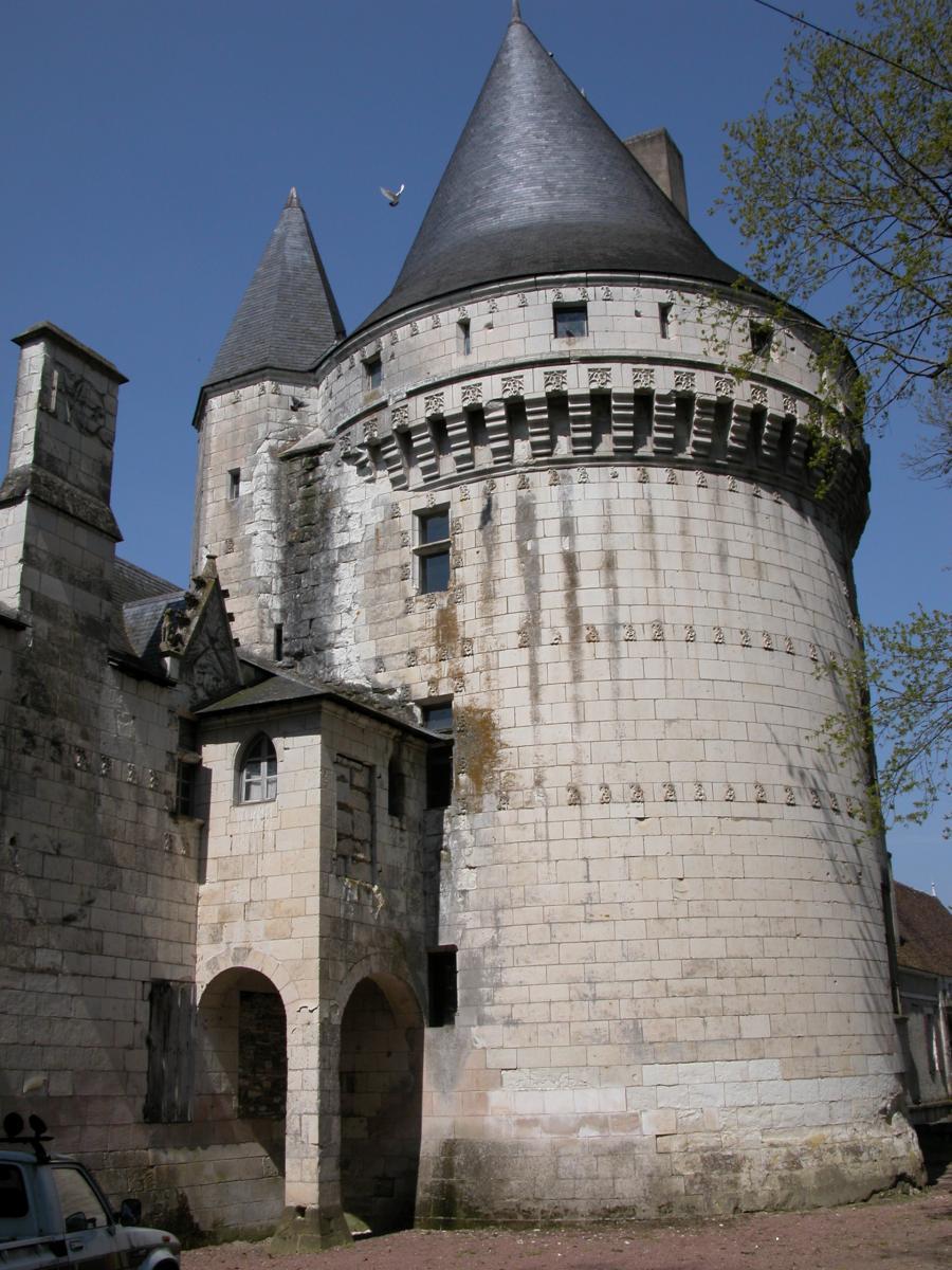 """Tour dite """"de Brillac"""" du Chateau d'Argy"""