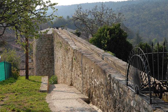 Canal de Fontigon et aqueduc