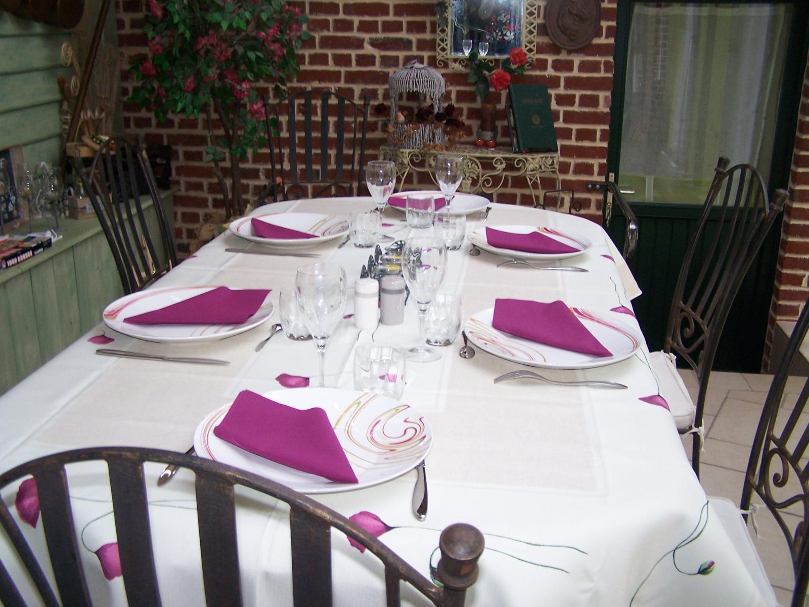 LA TABLE D'HOTES.JPG