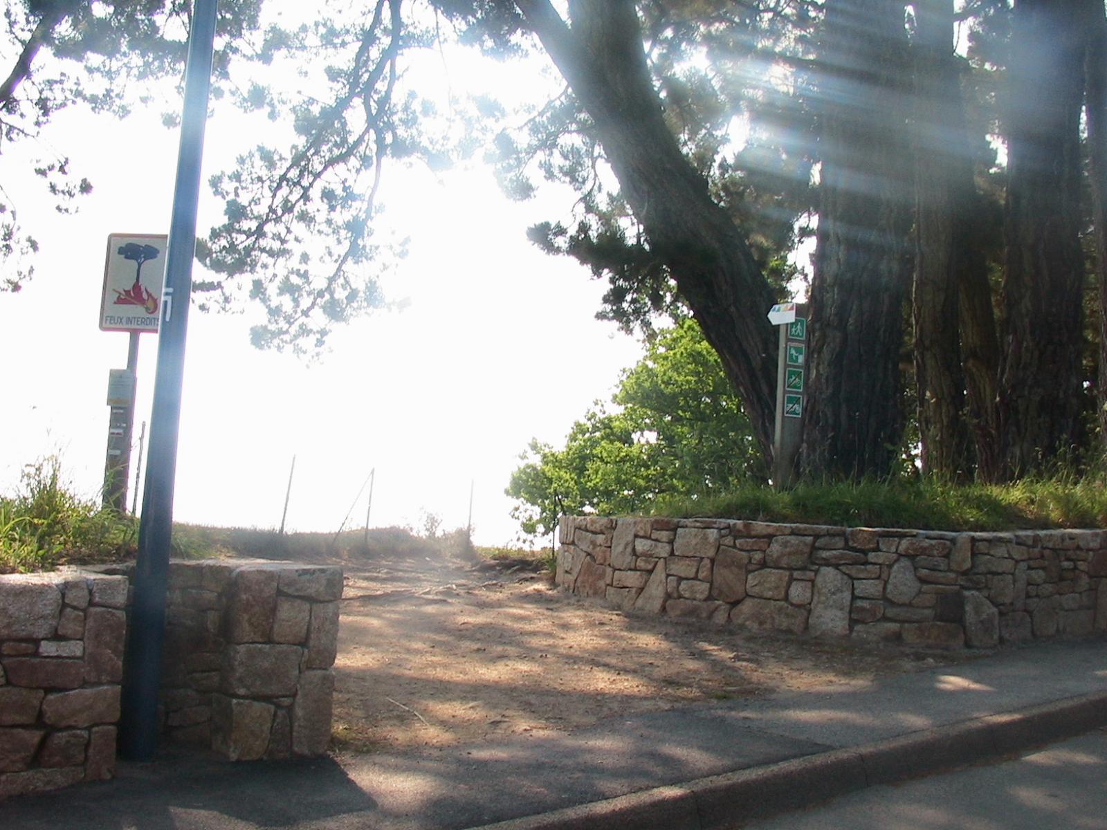 Départ du sentier côtier Cap Coz-Beg Meil
