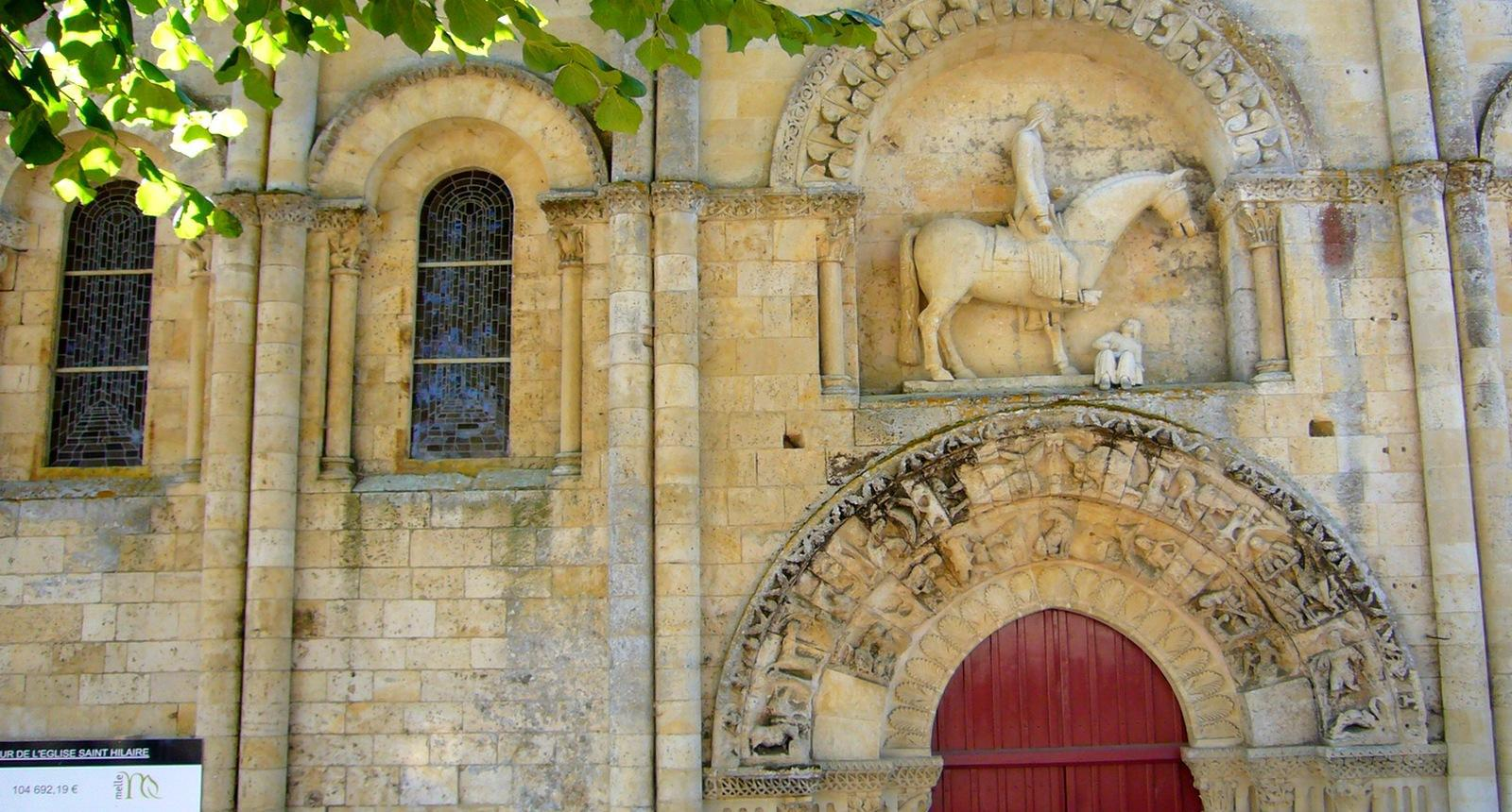 Aah.. le cavalier de l'église Saint-Hilaire de Melle...