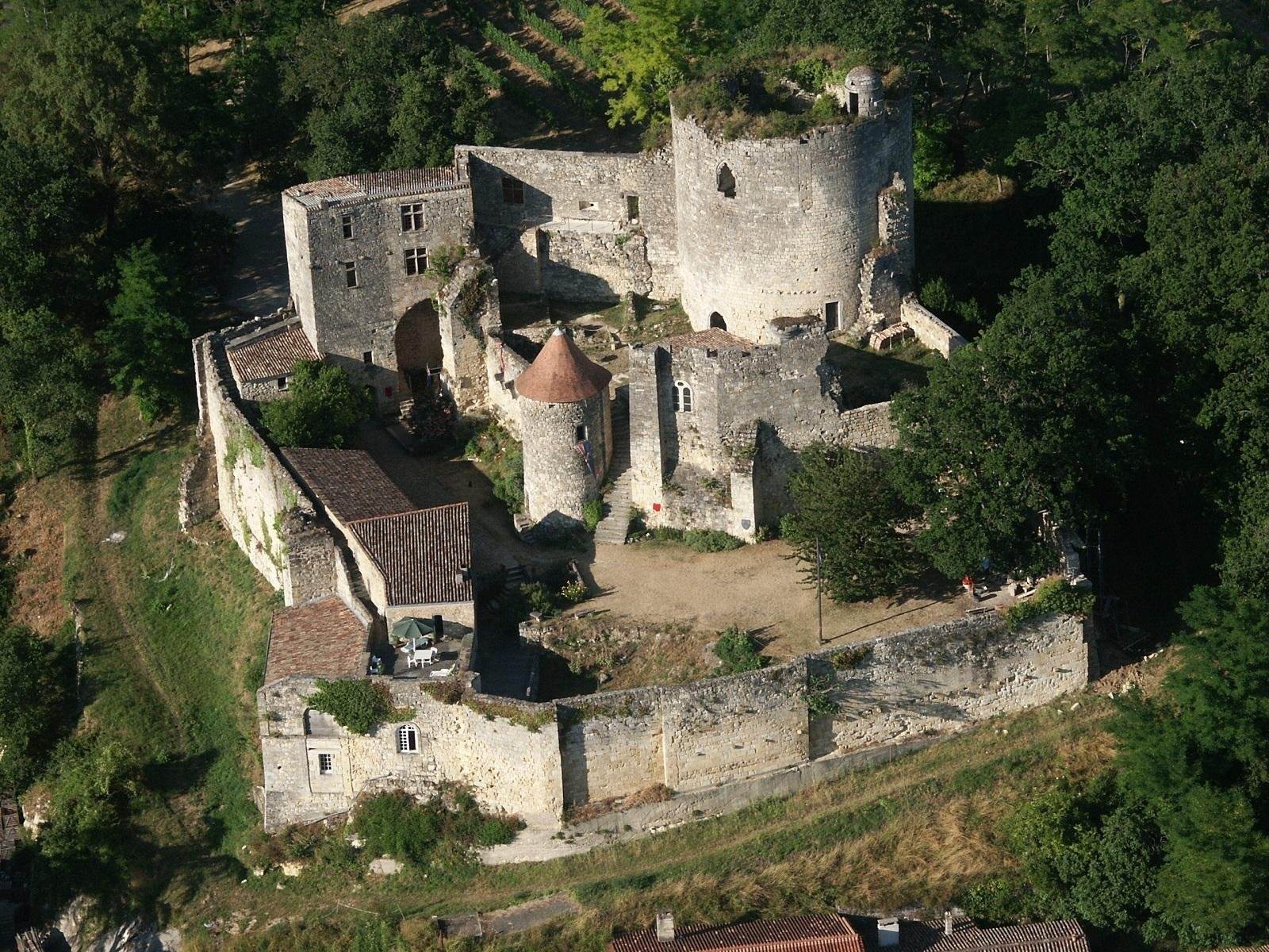 vue aérienne du chateau