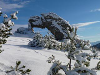 la pierre percée en hiver