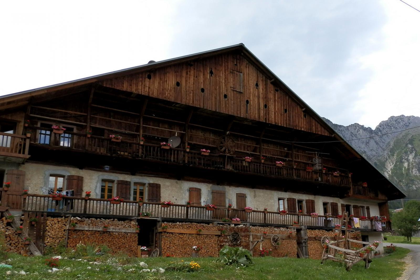 Chalet typique au village du Mont