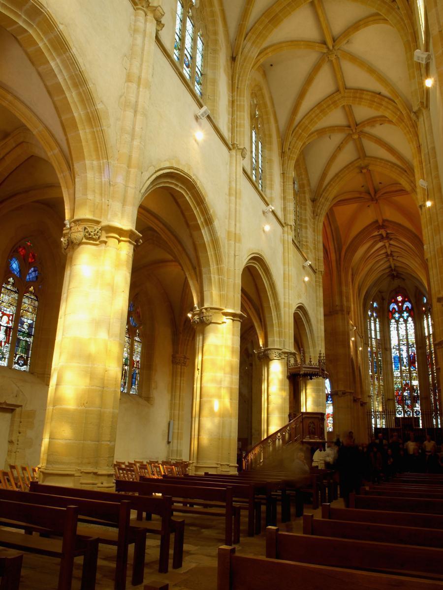 Nef de l'église St-Martin d'Ambierle
