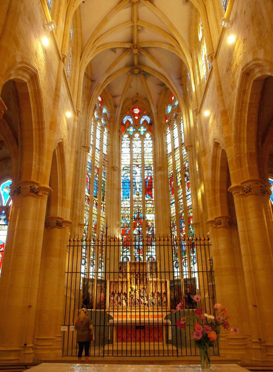Chœur de l'église d'Ambierle