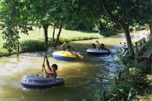 les canoés sur le canal