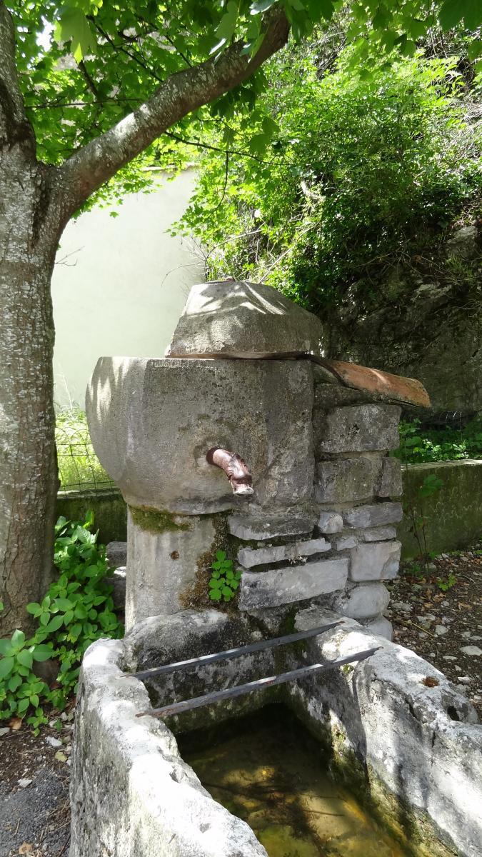 Fontaine à Pontaix