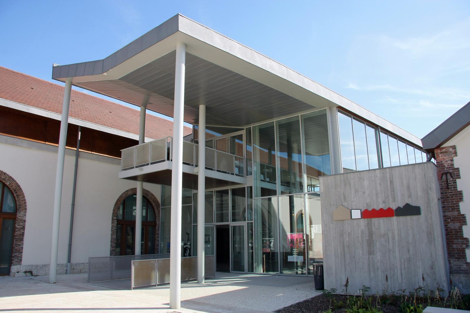 Centre culturel et sportif Saint-Ayoul parvis