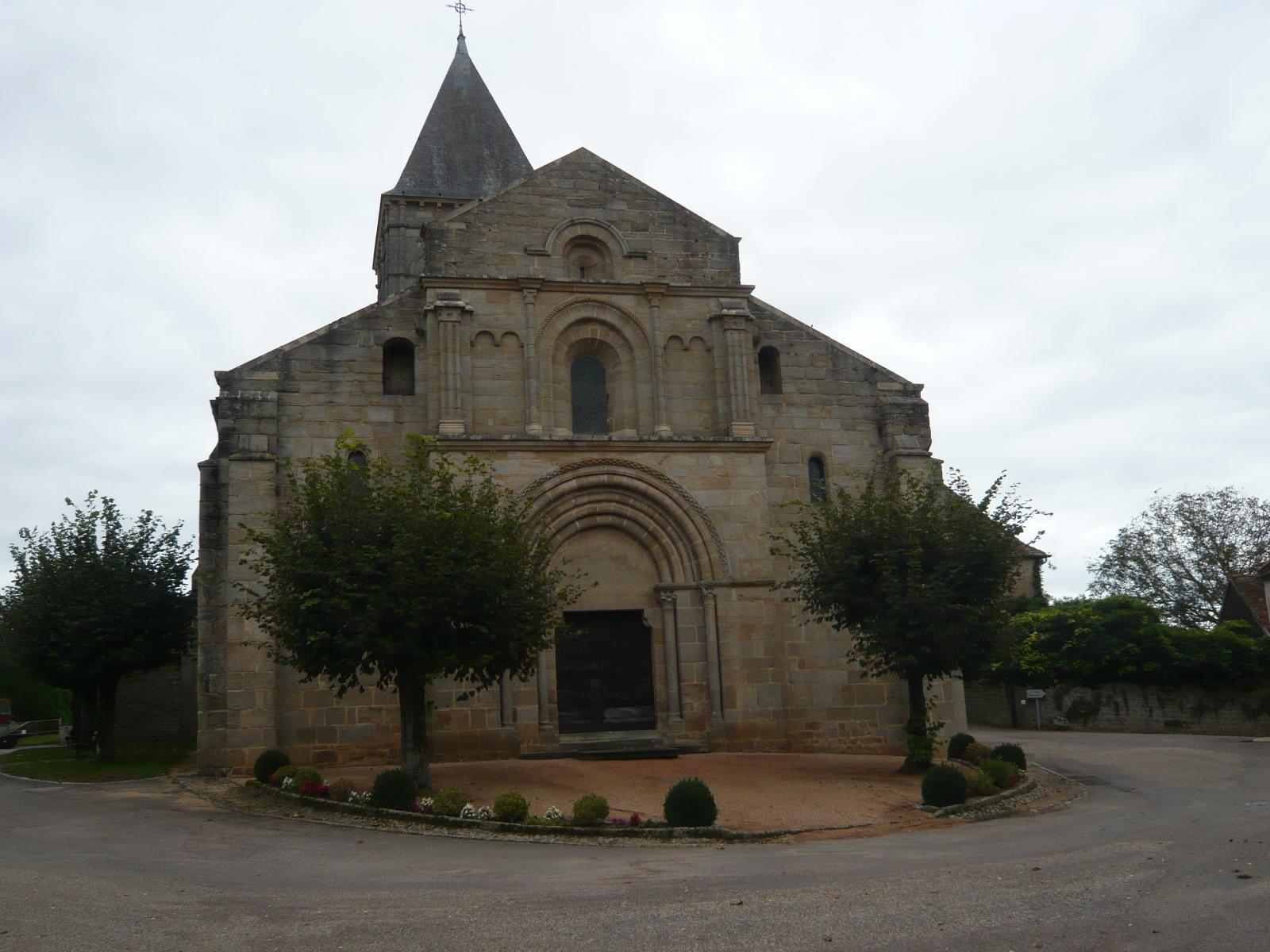 Eglises chapelles abbayes monast res et couvents for Eglise romane exterieur