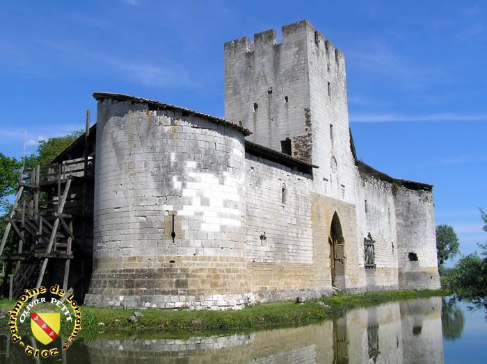 Le chateau de Gombervaux avec ses douves