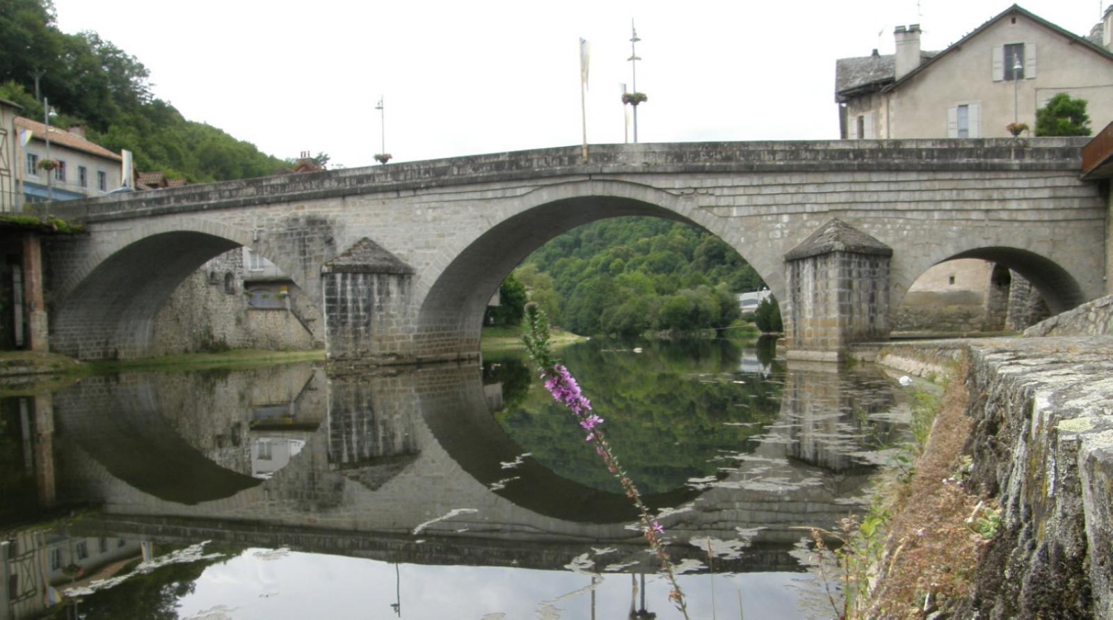 Le pont qui a désenclavé Laroquebrou au XIIIè