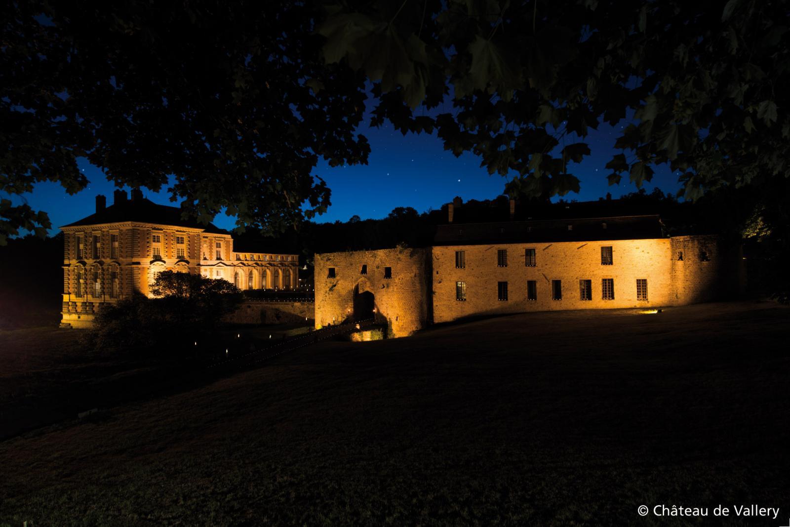 Château de Vallery de nuit