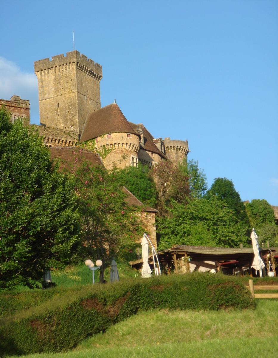 Chateau de Castelnau en été