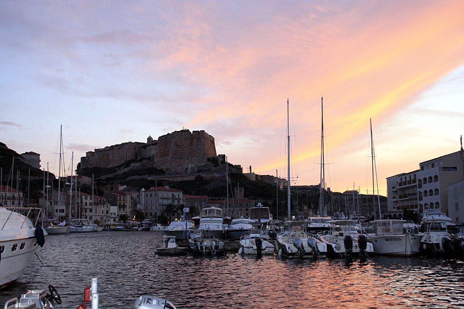 Coucher de Soleil sur le port de Bonifacio