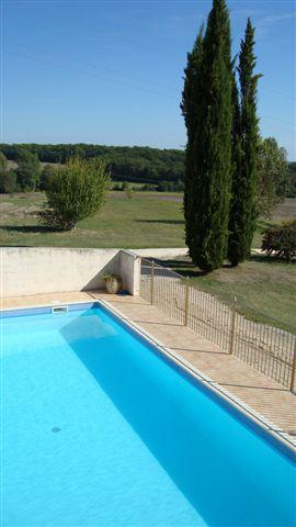 gîte piscine privée.JPG