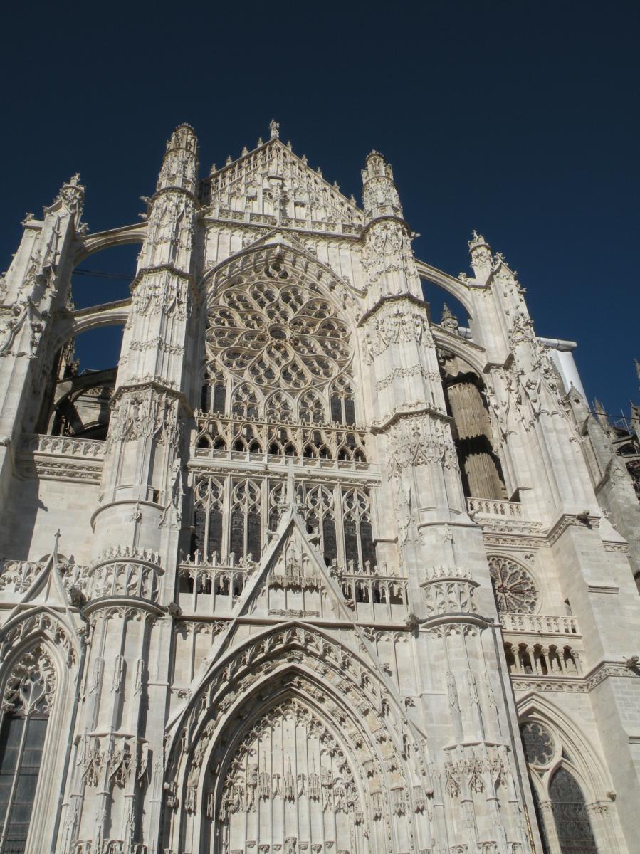 Cathedrale st pierre de Beauvais 1.JPG