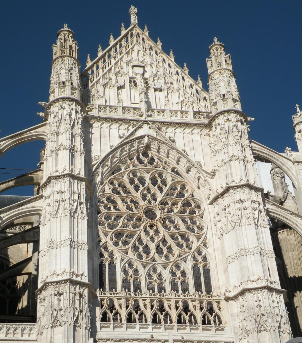 Cathedrale st pierre de Beauvais 2.jpg