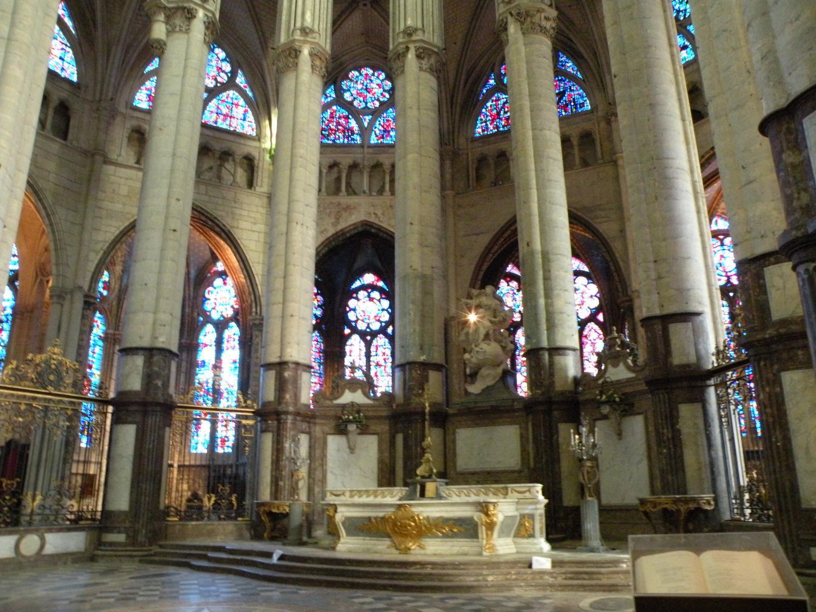 Cathedrale st pierre de Beauvais 4.JPG